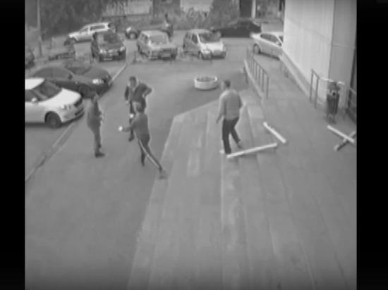 Полицейский рассказал, почему стреляли в похитившего обои жителя Екатеринбурга