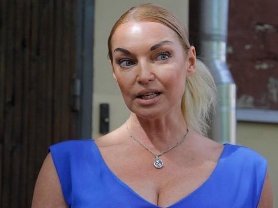 СМИ: Волочкова оплатит лечение