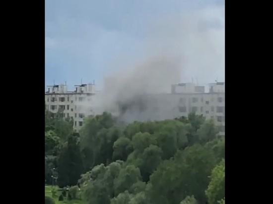 В доме на юге Москвы произошел взрыв, возможны жертвы