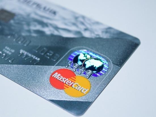 За сутки мошенники похитили с карт рязанок 270 тысяч рублей