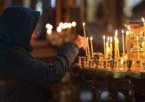 Первый день работы московских храмов удивил новыми порядками