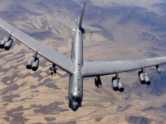 """Украина рассчитывает обойти российские С-400 """"Триумф"""" с помощью американских бомбардировщиков"""