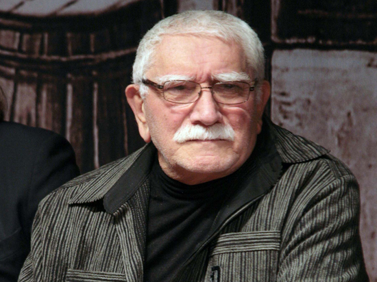 Baza: Армен Джигарханян госпитализирован в тяжелом состоянии