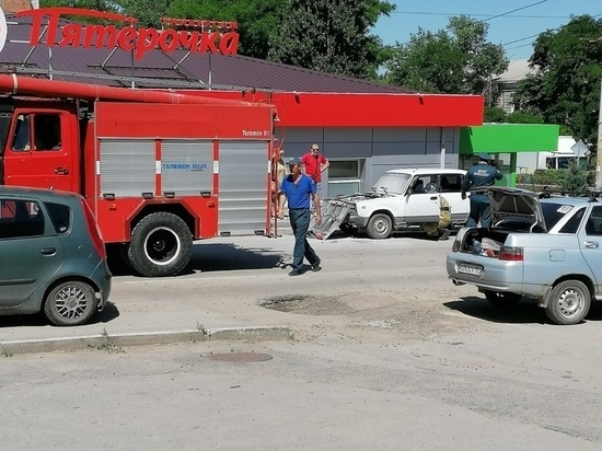 В Ростовской области на ходу загорелся ВАЗ