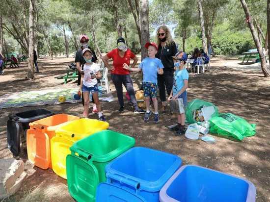 В честь Всемирного дня экологии израильтяне двинулись в парки
