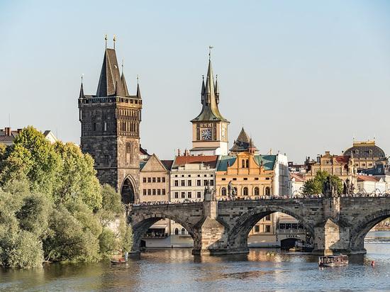 """Пресс-секретарь президента Чехии рассказал, что стало """"важнейшей трудностью"""" страны"""