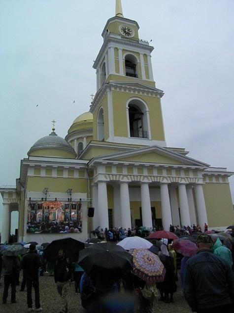 Большой церковный праздник: Тверская область отмечает 353-летие обретения мощей Нила Столобенского