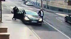 Видеокамеры зафиксировали возвращение Ефремова домой после ночного ДТП