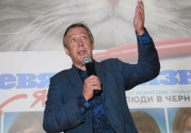 Полтора года назад Госдума чуть не лишила Ефремова звания