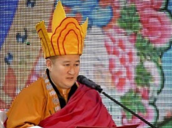 В Бурятии Дамба Аюшеев призвал помолиться за здоровье Верховного ламы Тывы, заболевшего COVID-19
