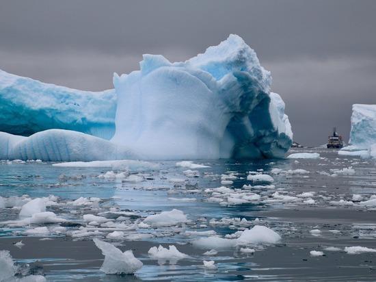 Конкуренция между державами в Арктике и Антарктике выходит на новый уровень