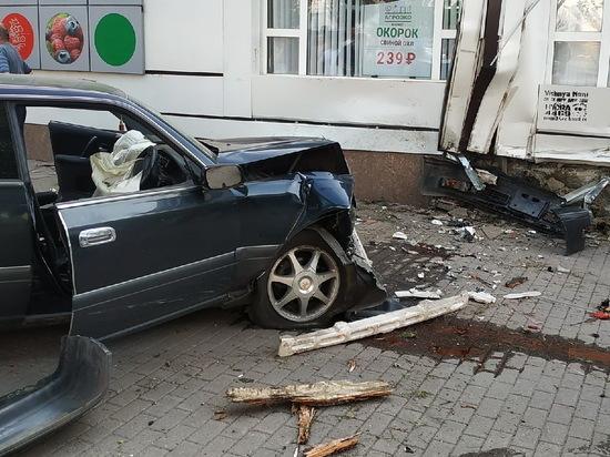 В Воронеже полицейский сбил 3 человек и отказался давать показания