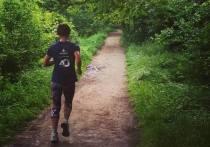 Одним из долгожданных этапов снятия строгой изоляции в Кыргызстане стало разрешение заниматься спортом на свежем воздухе и возобновление тренировок, как среди любителей, так и у профессиональных бегунов