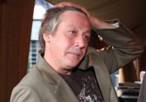Резонансная авария, которую устроил пьяный актер Михаил Ефремов на Садовом кольце, активно обсуждается в обществе