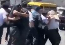 В Дагестане обсуждают, какая судьба ждет сотрудников полиции, применивших силу при задержании 60-летнего жителя села Гурбуки на дороге, ведущей в поселок Манас Карабудахкентского района