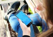 Использование чужой зарядки может причинить ущерб самому смартфону, а также дать доступ к вашим персональным данным в гаджете злоумышленникам
