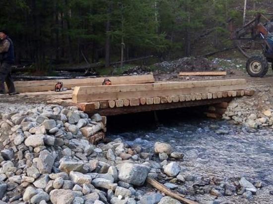 В Бурятии жители села построили мост собственными руками