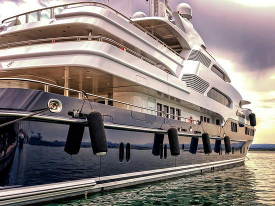 Появились снимки роскошной яхты основателя Microsoft за 300 миллионов евро