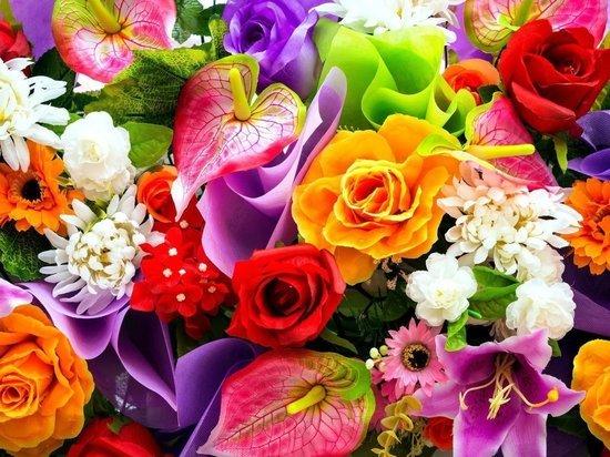 В Бурятии две предпринимательницы не отчитались за получение партии цветов