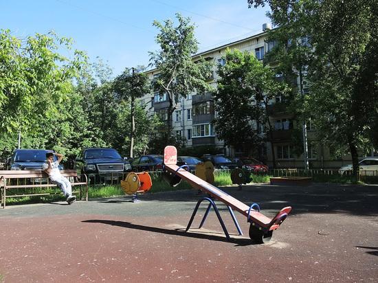 Мигрант изнасиловал москвичку-лесбиянку в кустах у детской площадки