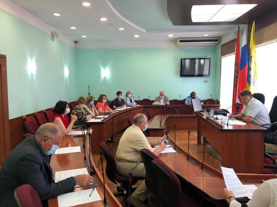 В депутатских комитетах продолжается работа над проектами решений