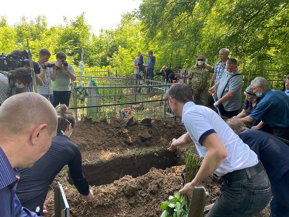 Погибшего в ДТП с Ефремовым похоронили в родном селе под Рязанью