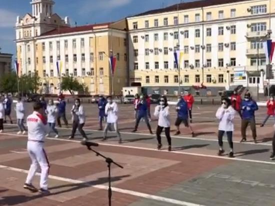 Наталья Шадрина провела открытую тренировку на площади Советов в Улан-Удэ