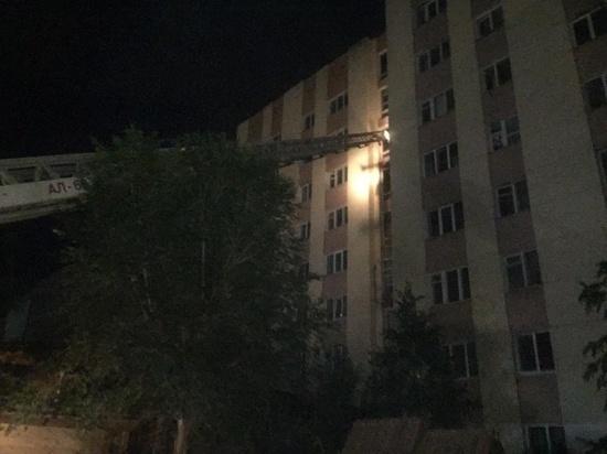 В Оренбурге на пожаре в многоэтажном доме эвакуировали людей