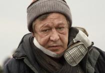 В стране продолжают бурно обсуждать смертельную аварию с участием Михаила Ефремова на Садовом кольце