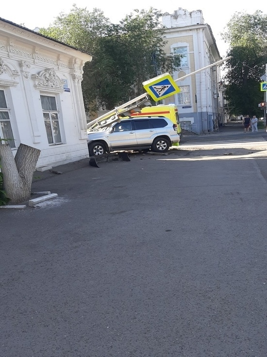 В Оренбурге в ДТП попала машина с номерами мэрии