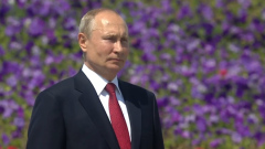 В День России Путин вышел из самоизоляции без маски