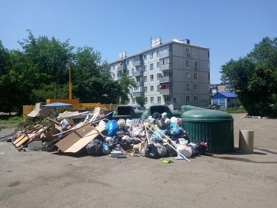 В Оренбурге жители Степного жалуются на завалы мусора