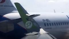 Столкновение самолетов в Пулково сняли на видео