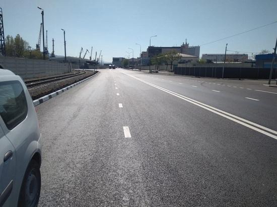 Новый асфальт и удобные бордюры: в Новороссийске ремонтируют улицы