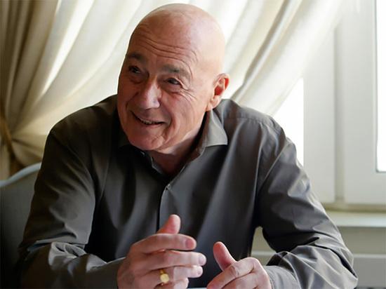 Познер порассуждал о раскручивающем скандал с Ефремовым режиссёре