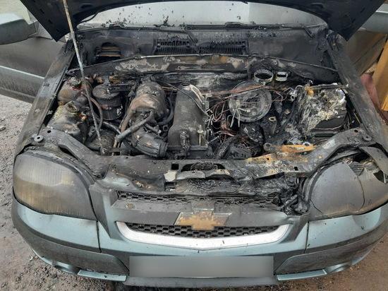 В Смоленске горела Chevrolet Niva