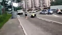 Раненый гаишник крутит стрелявшего таксиста на Ленинском: видео