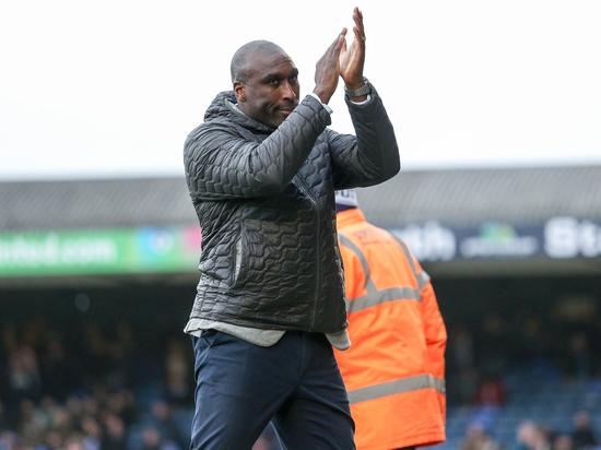 Руни не спасет английский футбол от расизма: клубы выступили против