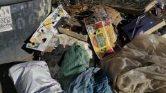 В Оренбурге на Березке неделями не вывозят мусор