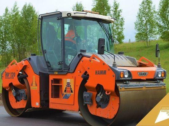 В Смоленской области ремонтируют дорогу на Пржевальское