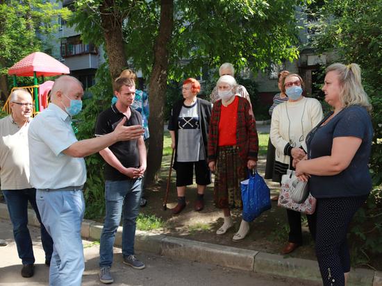 В Калуге капремонт дома на площади Победы взял на контроль депутат