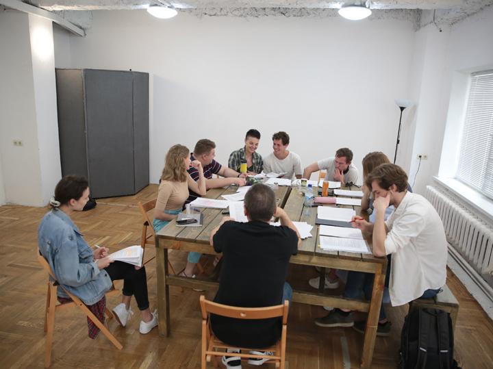 Олег Меньшиков возобновил репетиции в Театре Ермоловой