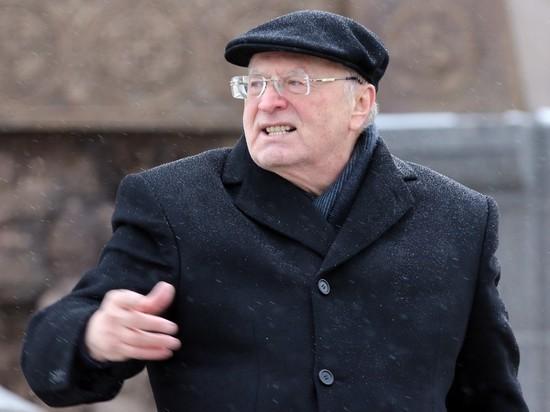 Жириновский предложил большевикам покаяться: должны встать на колени