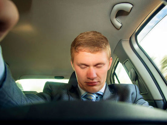 Автопортал выяснил, как часто жители Хакасии засыпают за рулём