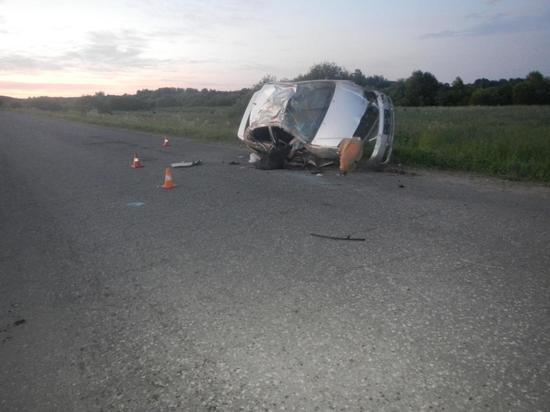 Как в боевиках: в Костромской области Тойота кувыркалась на трассе