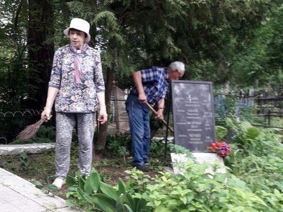 Жители Тверской области привели в порядок захоронения участников Великой Отечественной войны