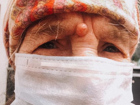 «Она запомнилась врачам боевым настроем»: 101-летняя астраханка победила коронавирус