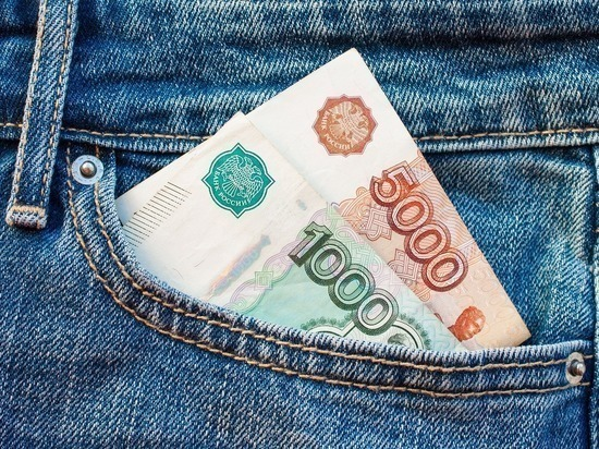 """Исследование: жителю крупного российского города нужно до трех лет копить на """"подушку безопасности"""""""