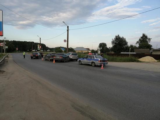 В Йошкар-Оле при двойном столкновении авто пострадал водитель