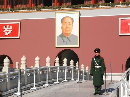 Китай ответил на решение США о санкциях из-за уйгуров